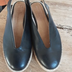 Sandalias de tacón con plataforma negro-marrón arena