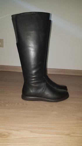 schwarze Lederstiefel von Camper