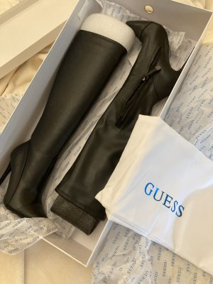 Schwarze Lederstiefel von Guess