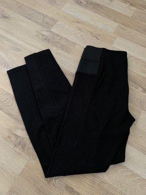 Schwarze Leggings - S