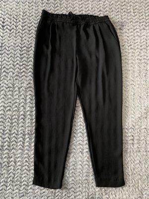 Schwarze lockere Hose von Zara