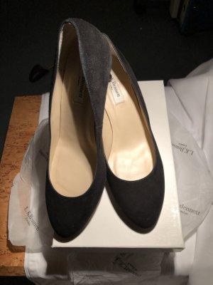 Schwarze neuwertige Damenpumps in , Gr. 40 NP 255€ für 195€ abzugeben
