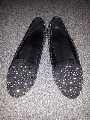 Schwarze Nieten Slipper