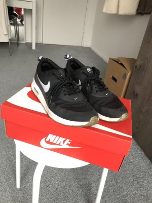 Schwarze Nike Air Max