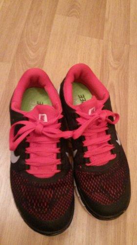 Schwarze Nike Free Schuhe