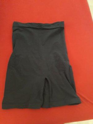 Triumpf Fond de robe noir
