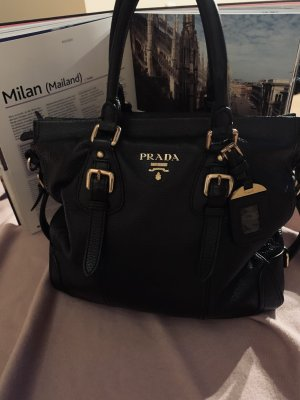 schwarze Prada Handtasche