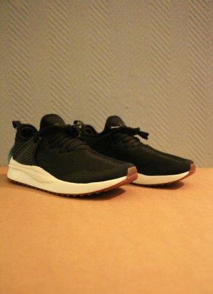 Schwarze Puma Sneaker Soft Foam Laufschuhe sehr leicht mit OVP