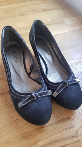 CANADA Pointed Toe Pumps black
