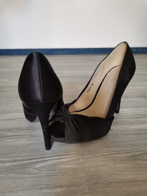 Schwarze Pumps High Heels