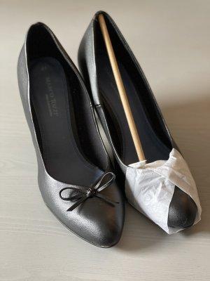 Marco Tozzi Classic Court Shoe black
