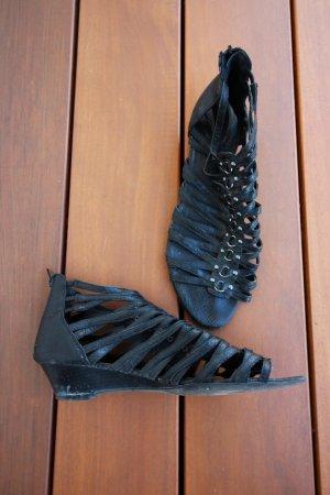 Schwarze Riemchen-Sandale
