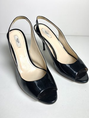 Schwarze Sandalen bom Prada
