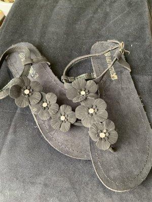 Hailys Strapped Sandals black