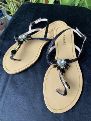Viadante Strapped Sandals black