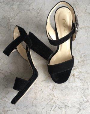 Sandały na obcasie z rzemykami czarny