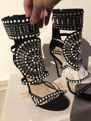 Schwarze schöne High heels