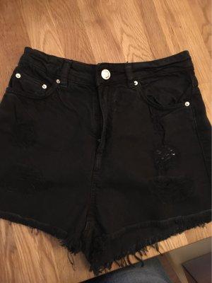 Schwarze Shorts bershka Gr. 34