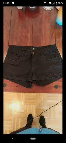 Schwarze Shorts Gr. 38