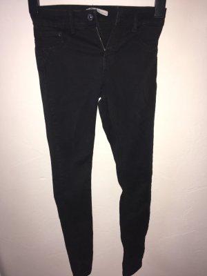 Schwarze Skinny Jeans von Bershka Gr.36 - ungetragen