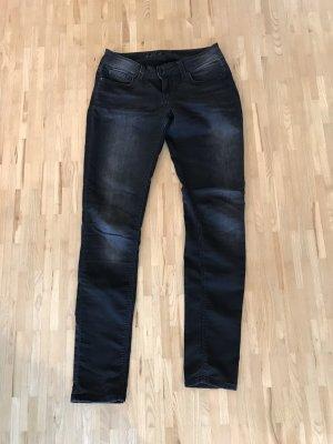 Schwarze Skinny-Jeans von Hallhuber