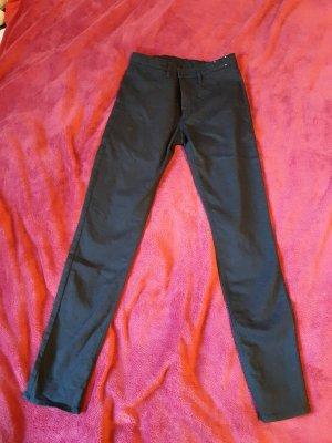 Schwarze Skinny-Jeans, wie neu