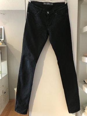 Schwarze Slim-Fit-Jeans