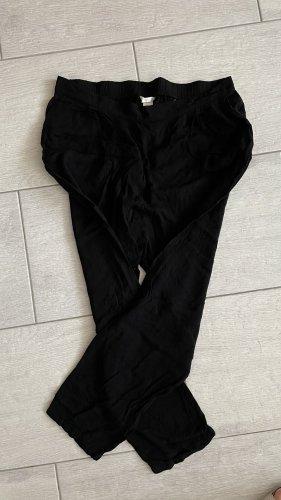 Schwarze slouchy Stoffhose