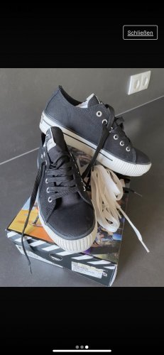 British Knights Lace-Up Sneaker black-white