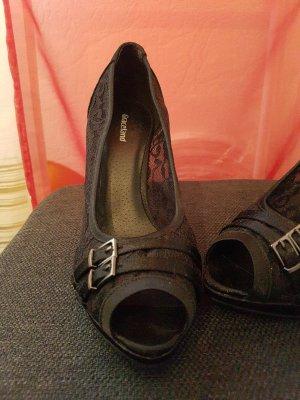 Schwarze spitzen High Heels