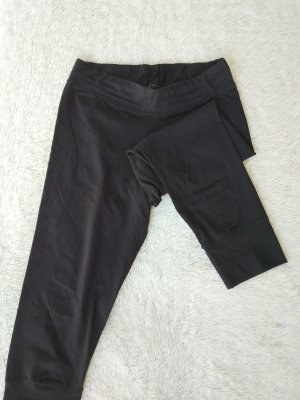 Schwarze Sporthose 3/4 hoch