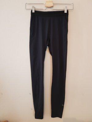 Uniqlo pantalonera negro