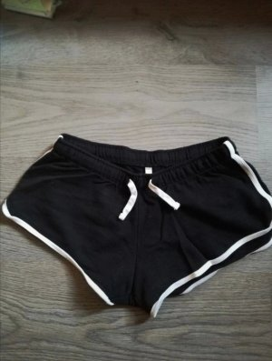Devided von H&M Pantalón corto deportivo negro