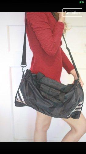 Schwarze Sporttasche