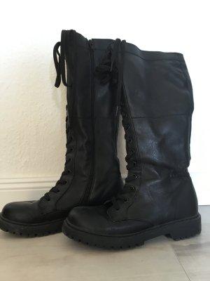 Schwarze Stiefel