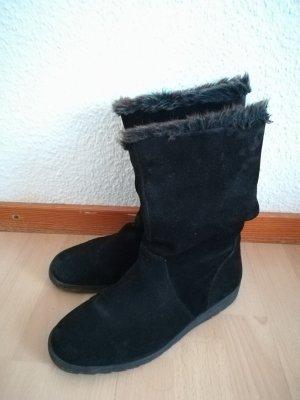 schwarze Stiefel mit Fellkranz
