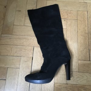 Schwarze Stiefel mit leichtem Plateau, Größe 39