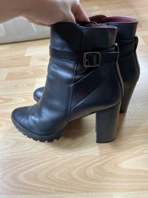 Schwarze Stiefelette - 40