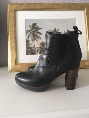 Arizona Platform Booties black leather