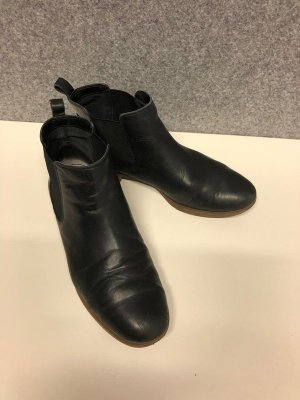 Clarks Chelsea Boots black leather