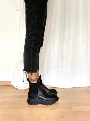 BEYOND Leather Bottines à enfiler noir