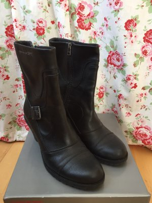 Schwarze Stiefeletten mit Profilsohle von Esprit Gr.40