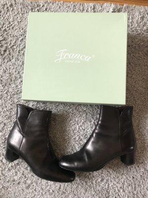 Schwarze Stiefeletten von Franca Venezia