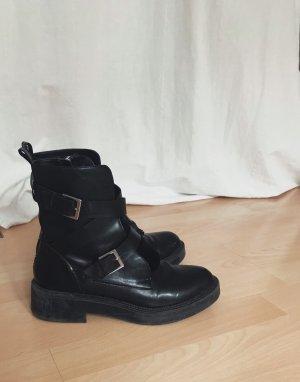 schwarze Stiefeletten Zara