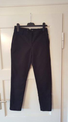 Schwarze Stoffhose von Mango Basic Größe 36
