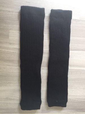 Schwarze Stulpen