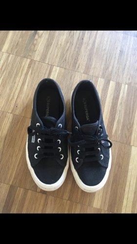 Schwarze Superga Sneaker