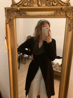 schwarze, taillierte Strickjacke