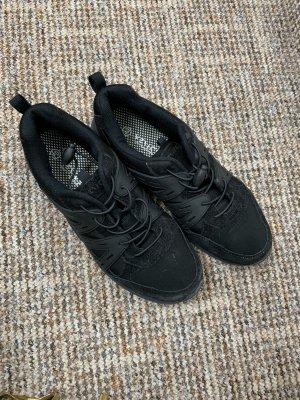 -8- Venice Slip-on Sneakers black