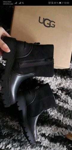 Schwarze UGG boots